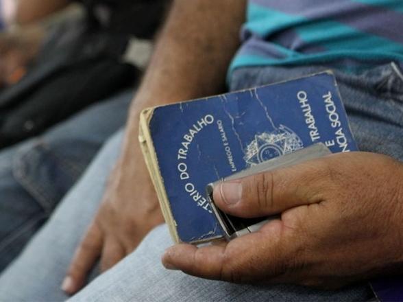 Desemprego cai para 11,6%, mas ainda atinge 12,2 mi de brasileiros