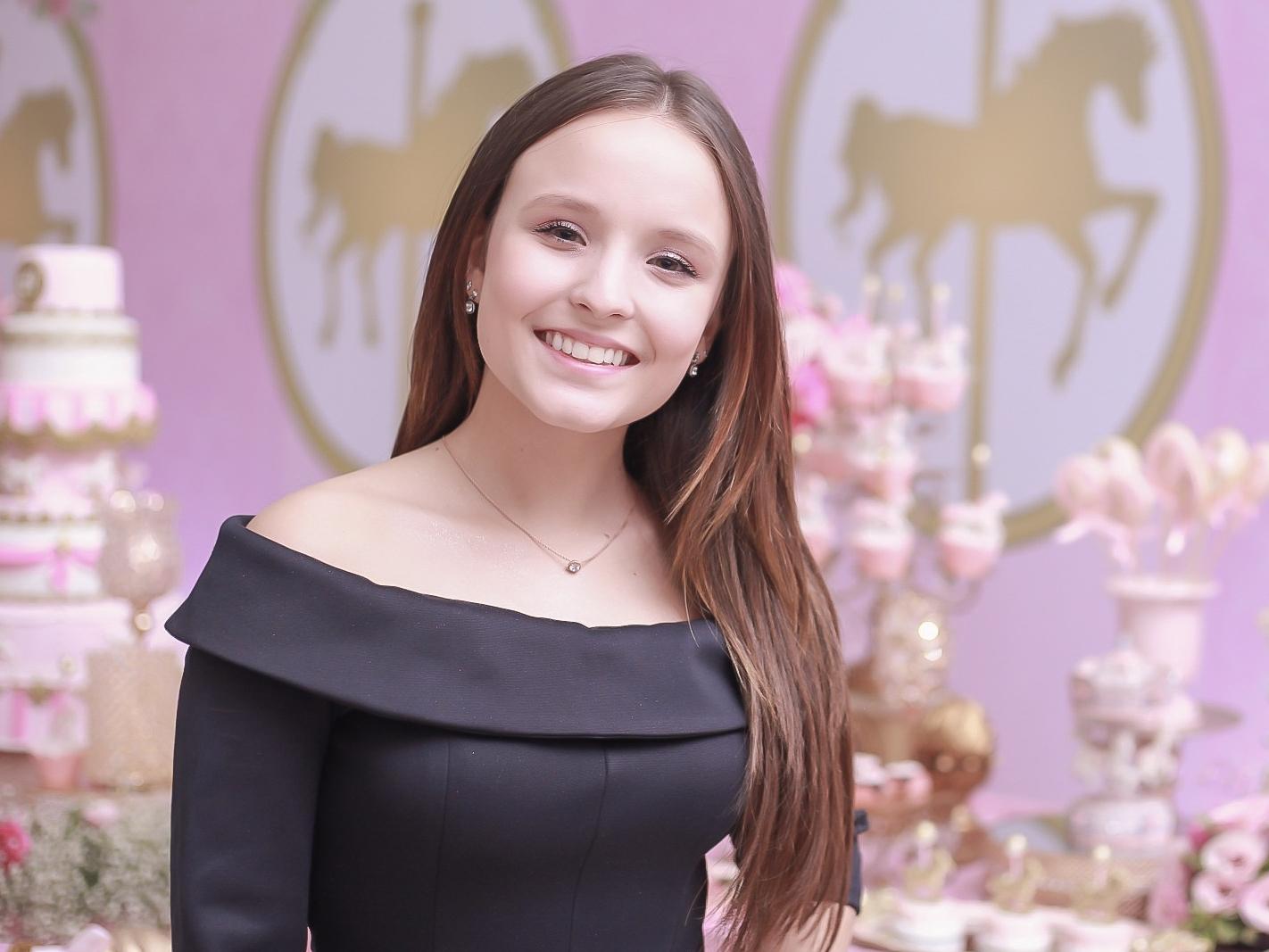 f6e00742fd1a2 Larissa Manoela planeja festão de 18 anos para 500 convidados
