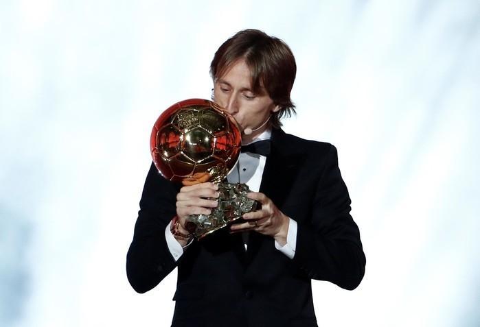Modric leva Bola de Ouro  (Crédito: Reuters)