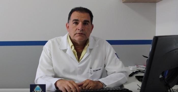 Médico Flávio Santos