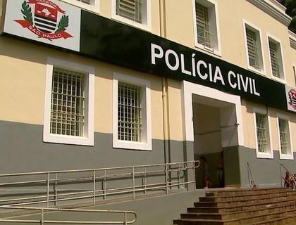 Blogueira vai à polícia após homem se masturbar durante uma live