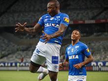 """Sassá promete """"muito mais sarradas"""" no Cruzeiro em 2019"""
