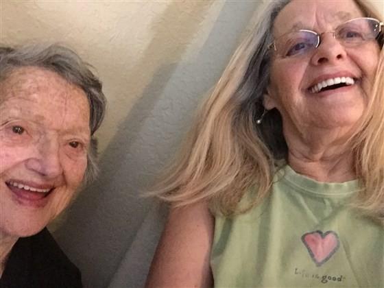 Mulher encontra filha, que achou que havia morrido 69 anos depois