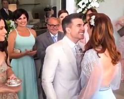 Raia se casa no civil em festa na própria cobertura para amigos