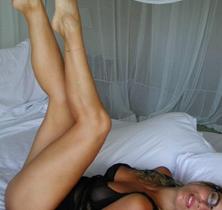 Aos 66 anos, Bruna Lombardi exibe boa forma