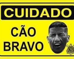 """Corinthians anuncia retorno do """"cão bravo"""" Ralf"""