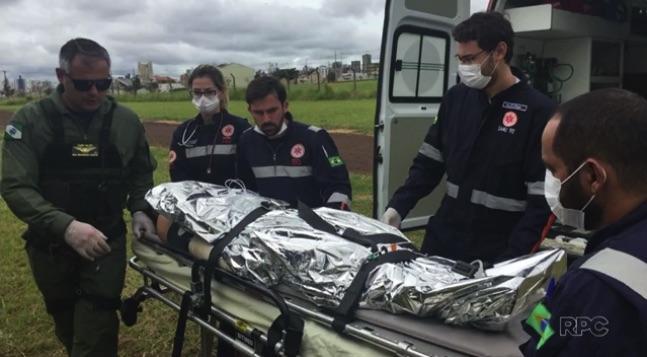 Jovem tem corpo queimado em acidente com churrasqueira (Crédito: Reprodução)