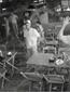 Câmera flagra assalto em bar no Rio de Janeiro; confira imagens