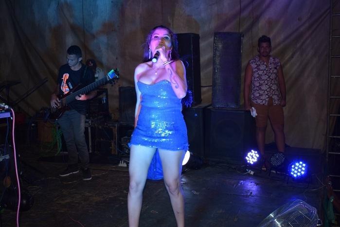 Vocalista da Banda Forró Empinado (Crédito: Aristeu)