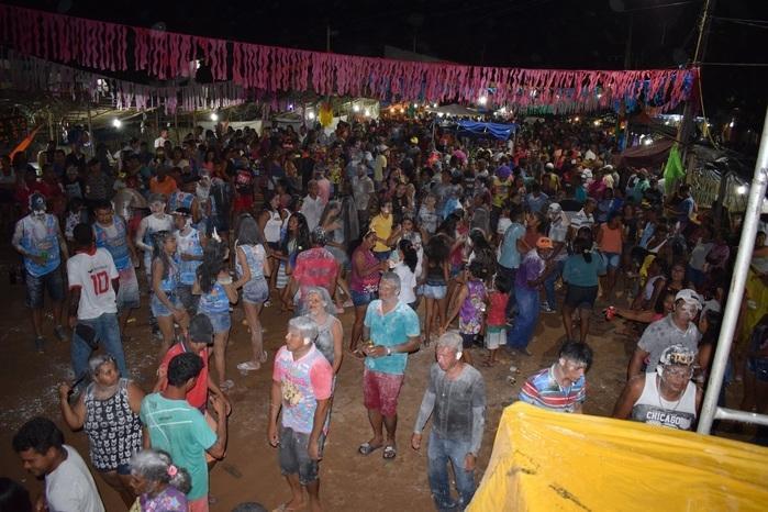 Multidão curtindo o Paiol Folia (Crédito: Aristeu Carvalho)