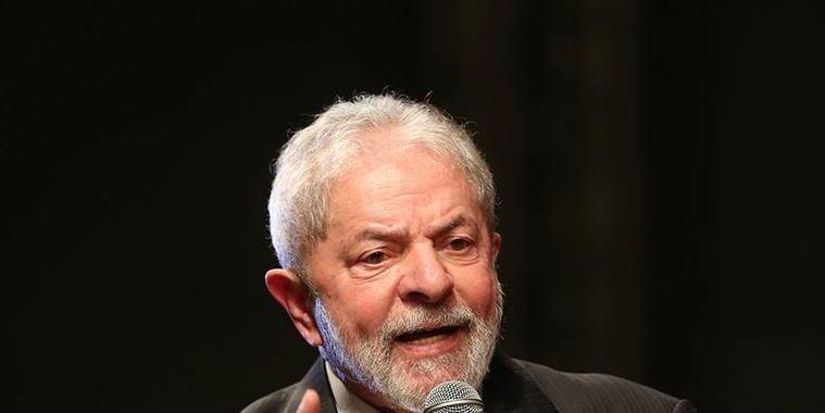 Juiz do TRF-1 manda devolver passaporte de Lula