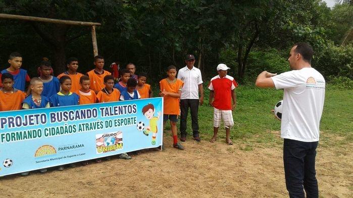 Secretário Júnior Calista apresentando o Projeto (Crédito: Secretaria de Esportes)
