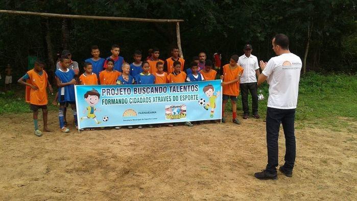 Desportistas atentos às palavras do Secretário (Crédito: Secretaria de Esportes)