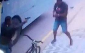 Jovem é morto após esticar perna para impedir fuga de assaltante