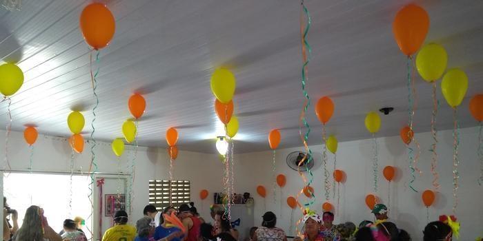 Academia da Saúde realiza baile de carnaval para a melhor idade