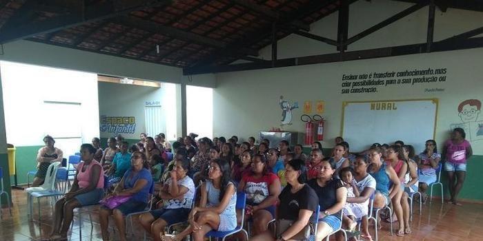Escola do Povoado Pedras realiza reunião com pais e mestres