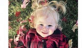 Menina alérgica à água sofre por não tomar banho, chorar ou suar