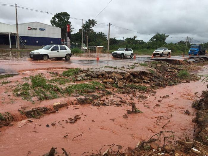 BR-343 entre Teresina e Altos é interditada parcialmente após desabamento  (Crédito: Efrem Ribeiro)