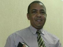 Pastor evangélico é morto a tiros na frente da filha e esposa em SP