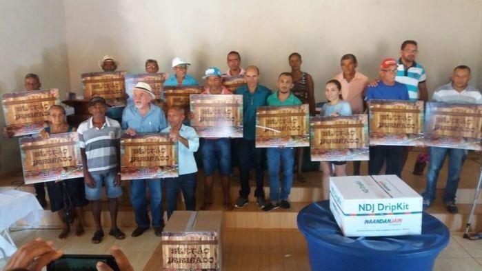 Agricultores com seus Kits  (Crédito: Francisco Macedo)