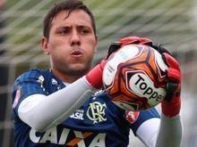 Goleiro Diego Alves é liberado por departamento médico do Flamengo