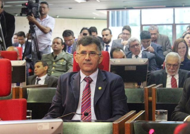 Deputado Aluísio Martins é o novo líder do PT na ALEPI