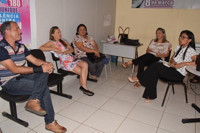 Reunião sobre o Dia Internacional da Mulher (Crédito: Aristeu Carvalho)