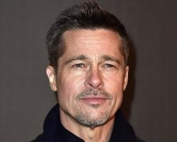 Brad Pitt escolhe ficar um ano sem sexo após fim de casamento