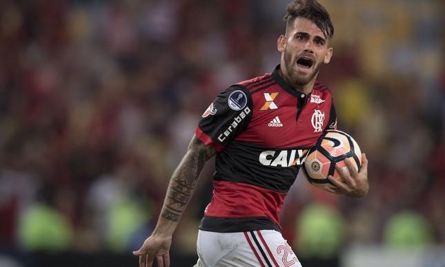 Flamengo desembarca e Dourado dá alerta — Libertadores