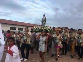 Multidão de fiéis na procissão dos festejos de São José em Lagoa