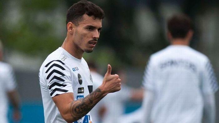 Santos está perto de contratar o meia Lucas Zelarayán
