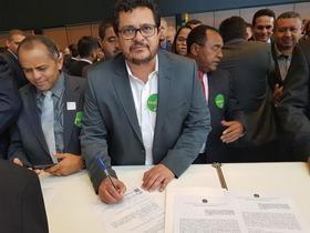 Venicio do Ó assina termo de adesão ao programa Internet para Todos