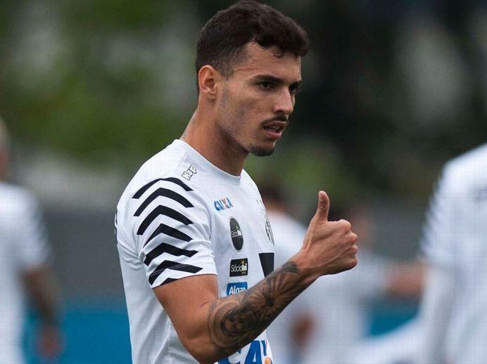 Zeca faz exames médicos e fica perto de acerto com o Corinthians