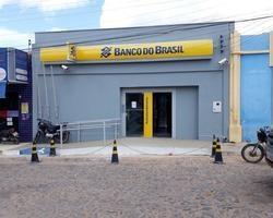 Agência bancária reabre operando sem numerário informa Jornal