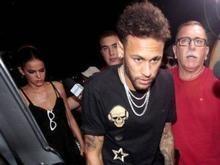 'Se não incomodar, Neymar ficará com parafuso', diz médico do PSG