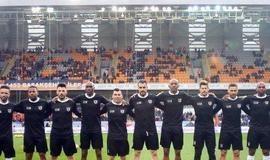 Técnico do Besiktas se irrita com derrota e sobra para Talisca
