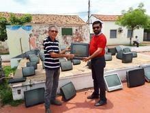 Secretaria de meio ambiente recolhe lixo eletrônico