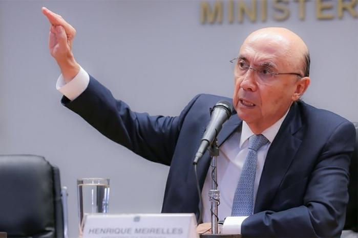 Meirelles vai deixar Fazenda no início de abril, diz Folha