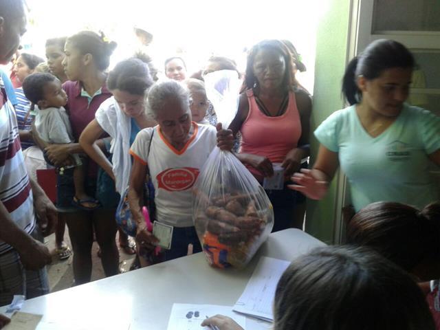 Prefeitura de Pimenteiras entrega cestas básicas na semana santa