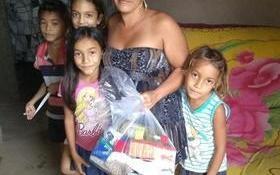 Prefeitura faz doações de cestas básicas para famílias carentes