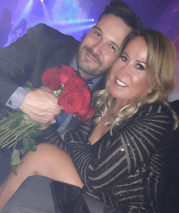 Zilu posta foto com empresário e dispara