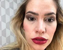 Adriana Sant'Anna posta erro na make e fãs não perdoam