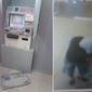 Homem é detido após 'pescar' dinheiro em caixas eletrônicos