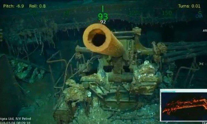 Porta-aviões da Segunda Guerra Mundial encontrado no fundo do mar