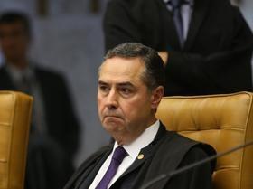 """""""As palavras perderam o sentido no Brasil"""",diz Barroso sobre sigilo"""