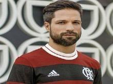 Meia Diego é garoto-propaganda de nova camisa limitada do Flamengo
