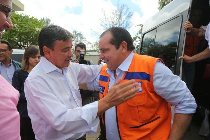 Governador recebe o ministro da Integração, Antonio de Pádua (Crédito: Efrém Ribeiro/Jornal Meio Norte)