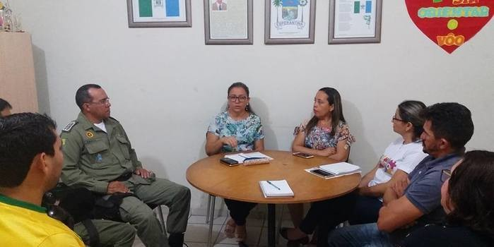 Prefeita Vilma Amorim firma convênio com a polícia militar