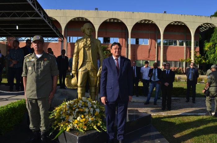 Governador durante a solenidade (Crédito: PM-PI/Divulgação)