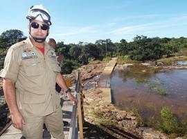 Corpo de bombeiros libera passarela da cachoeira do urubu